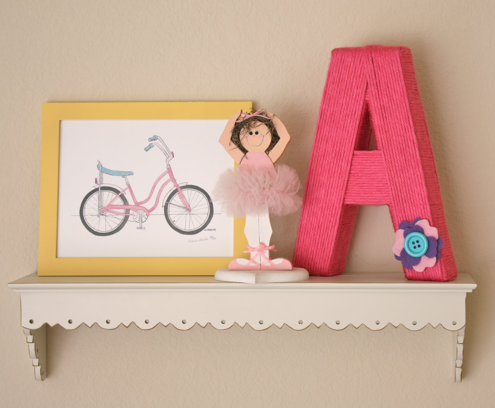 letters covered in yarn A simple craft to create beautiful diy yarn wrapped valentines letters an ideal  accessory for the home or great for a teens bedrooms.