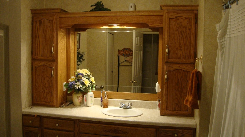 simple pleasures i love my homemade country style bathroom vanity. Black Bedroom Furniture Sets. Home Design Ideas