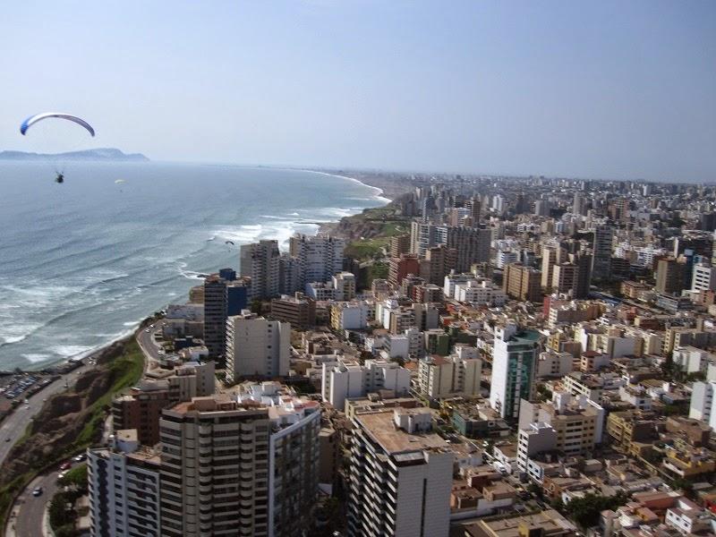 http://www.brendansadventures.com/paragliding-the-coast-of-lima/