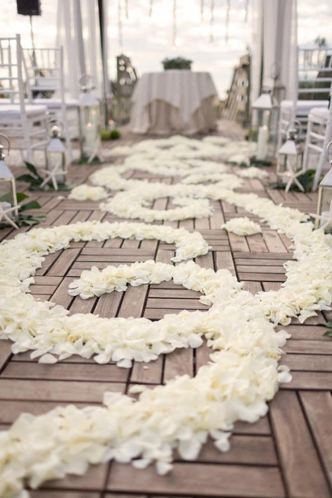 Wedding trends aisle petals belle the magazine for Wedding walkway