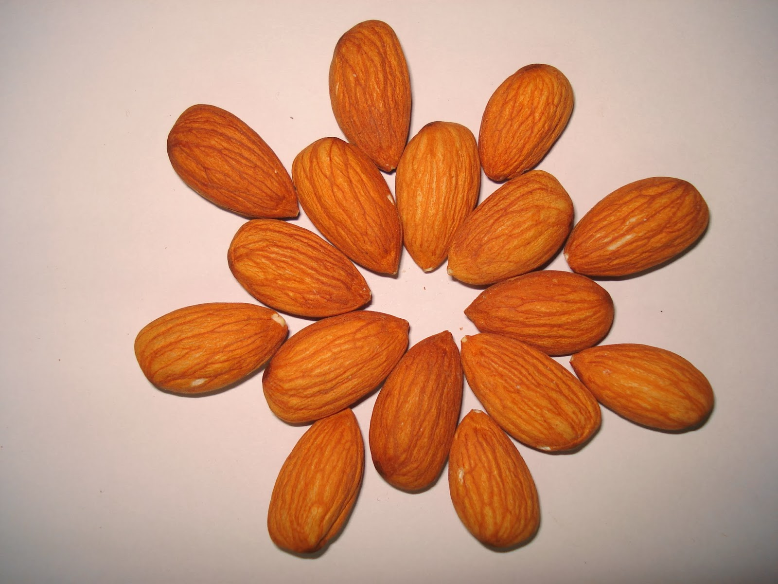 http://healthyinfojust4u.blogspot.com/2014/01/healthy-lifestyle-with-almonds.html