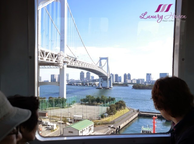 odaiba rainbow bridge yurikamome line