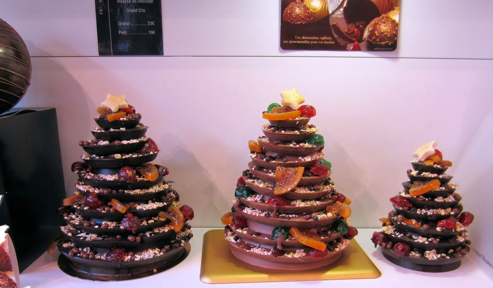 Christmas in Provence - window shopping - chocolate christmas trees from Peryerol