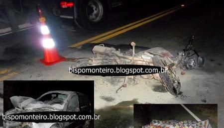 Motocicleta incendiada e uma vítima fatal em um grave acidente registrado próximo a Campo Belo.