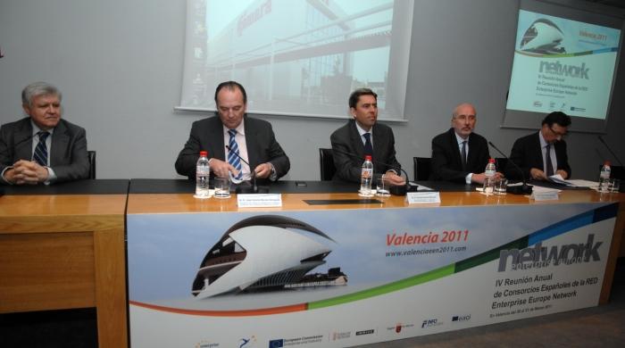 Rambla anima a los empresarios a aprovechar los instrumentos que ofrece Europa para innovar y ganar en competitividad
