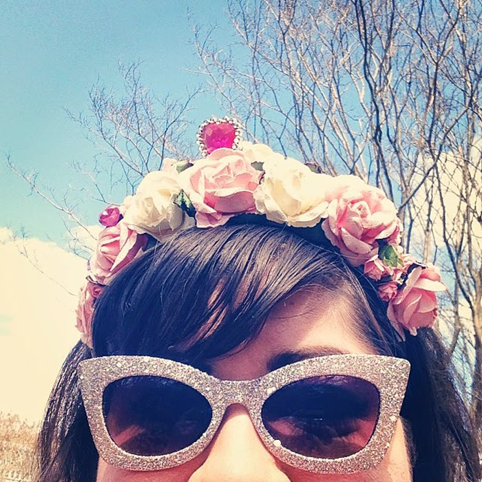 TweeValleyHigh's Kristina wore a flower crown to the Botanical Gardens.
