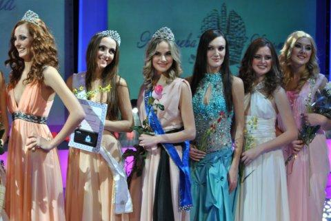 Valeria Voronova (CRIMEA 2012) Queen%2Bof%2BCrimea%2B2012%2527s_semifinalists