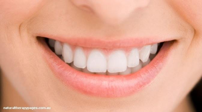 Gigi Putih Senyum Menawan