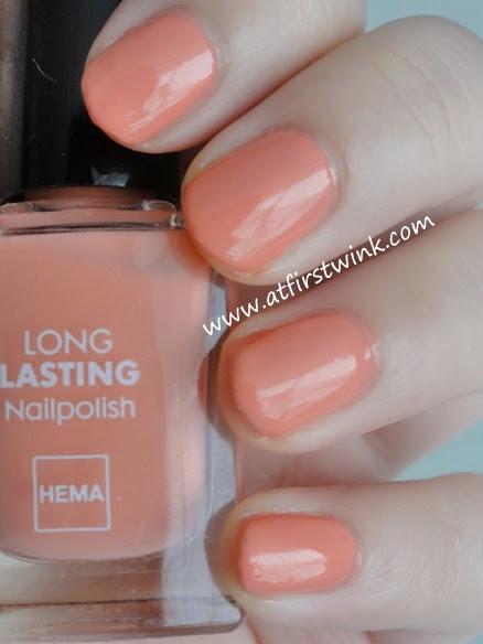 HEMA Long Lasting nail polish number 813 - Dark Salmon