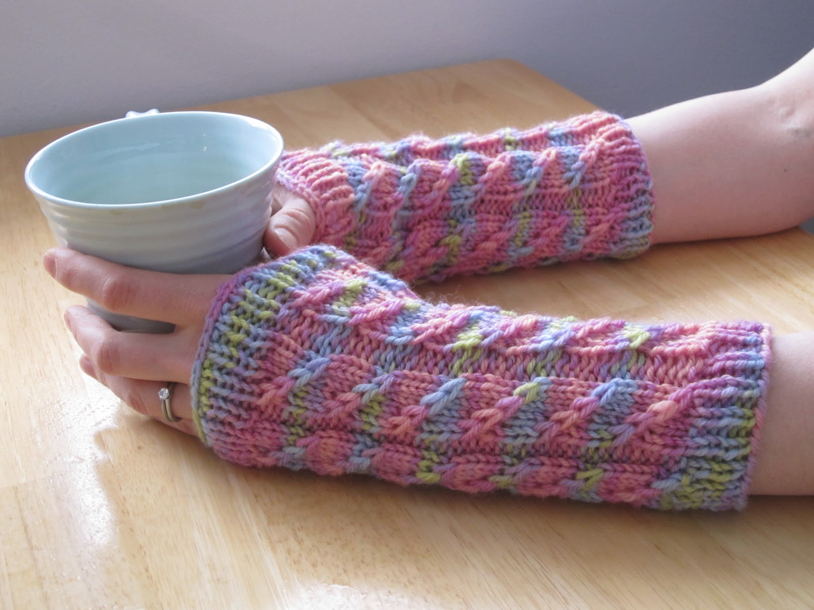 Balls to the Walls Knits: Twilled Stripe Arm Warmers