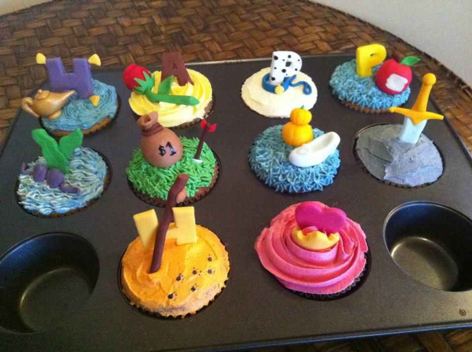 Sweet Art Cake Company Buttercream : Sweet Art Cupcakes: Disney dimes!