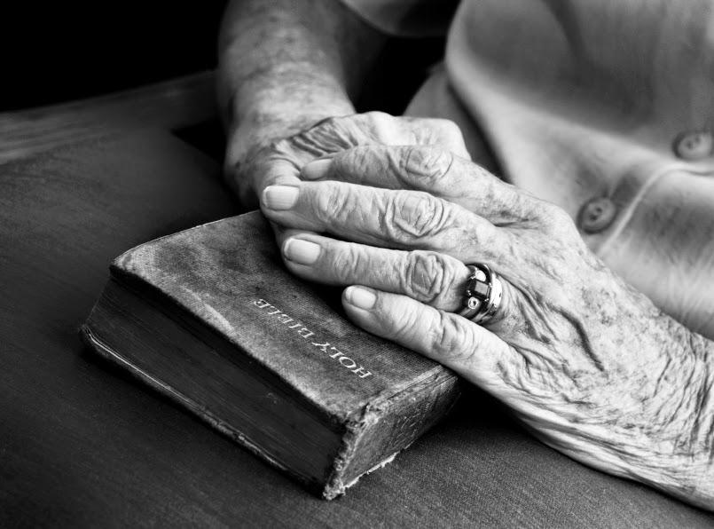Prier Dieu avec la Bible - prières catholiques