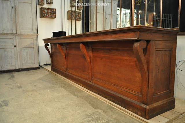 oak counter
