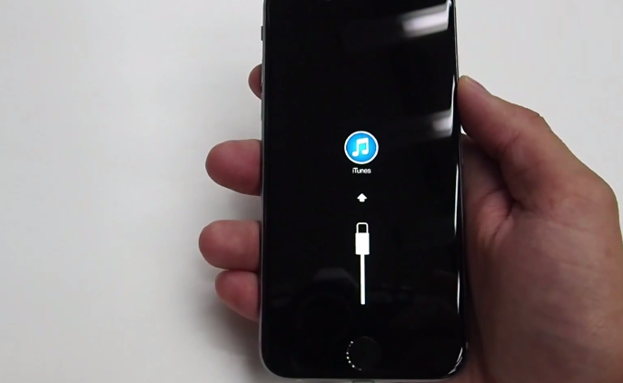 In this new video we see, perhaps for the first time a functional iPhone 6. Check it out working iPhone Air - iPhone 6