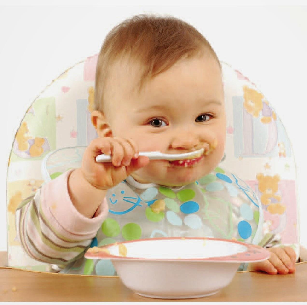 Makanan pendamping ASI pertama kali yang diberikan bayi CARA MEMBERIKAN MAKANAN PENDAMPING ASI PADA BAYI