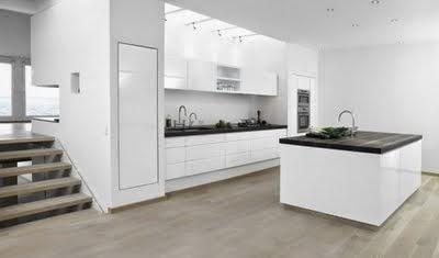 Decoraciones y mas decora modernas cocinas en color for Decoracion de cocinas modernas y elegantes