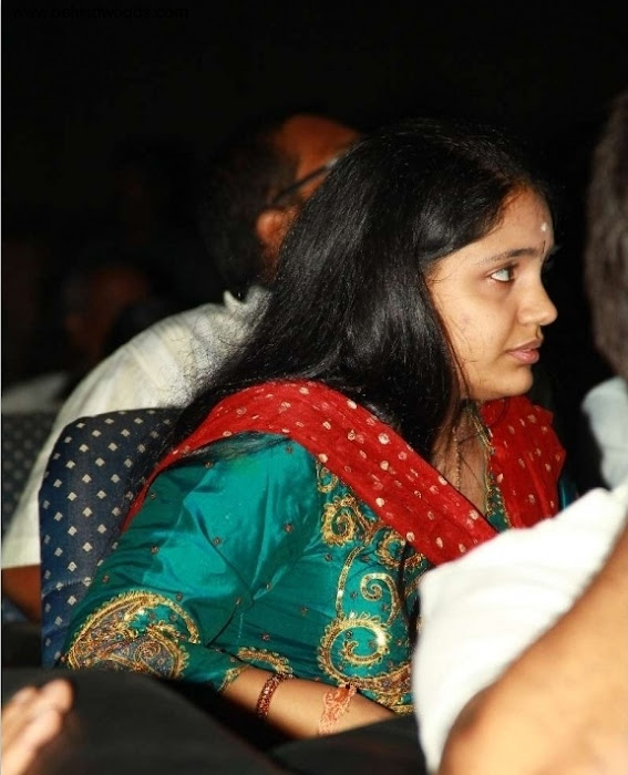 female younger playback singer saindhavi gv prakash photo gallery