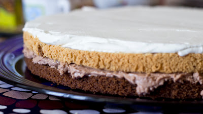 шоколадова торта с мус и сметана