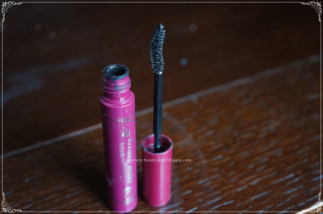 Mascara primer that holds curl