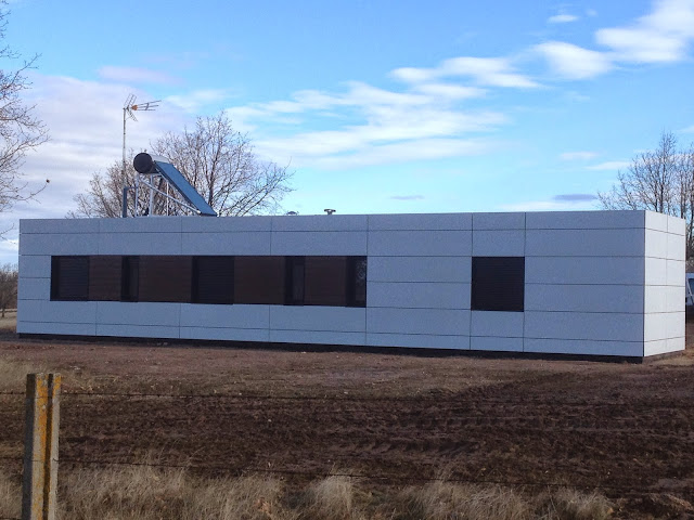 Fachada ventilada en vivienda modular de Resan