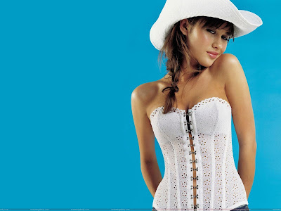 olga_kurylenko_hot_wallpaper_in_hat_fun_hungama_forsweetangels.blogspot.com