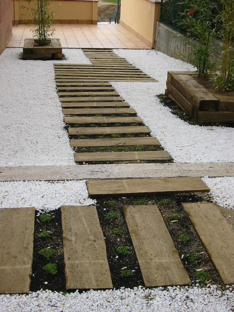 Jardinitis selecci n de fotograf as de nuestros jardines for Diseno de jardines pequenos sin cesped