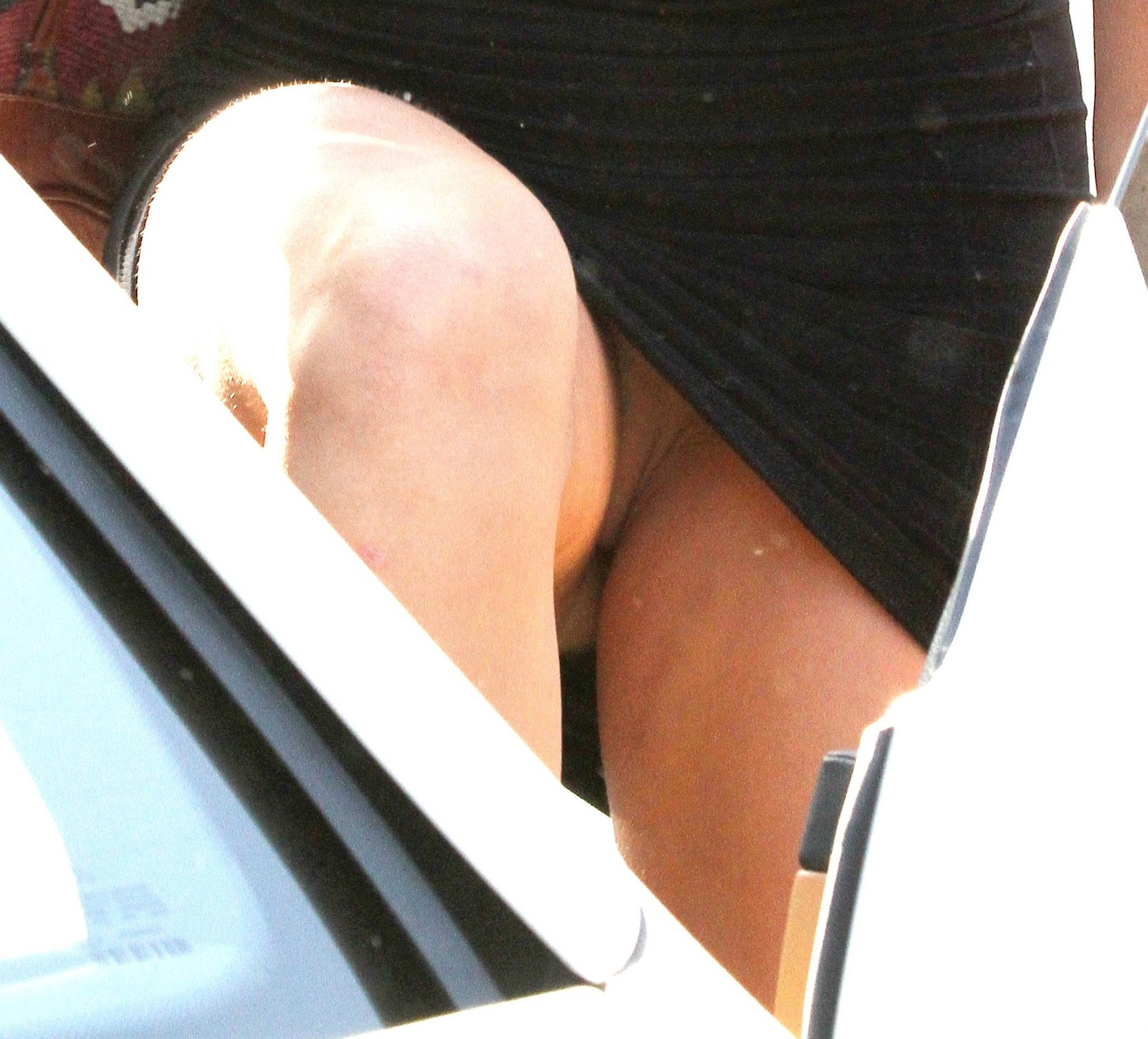Фото miley cyrus и ее киска 7 фотография