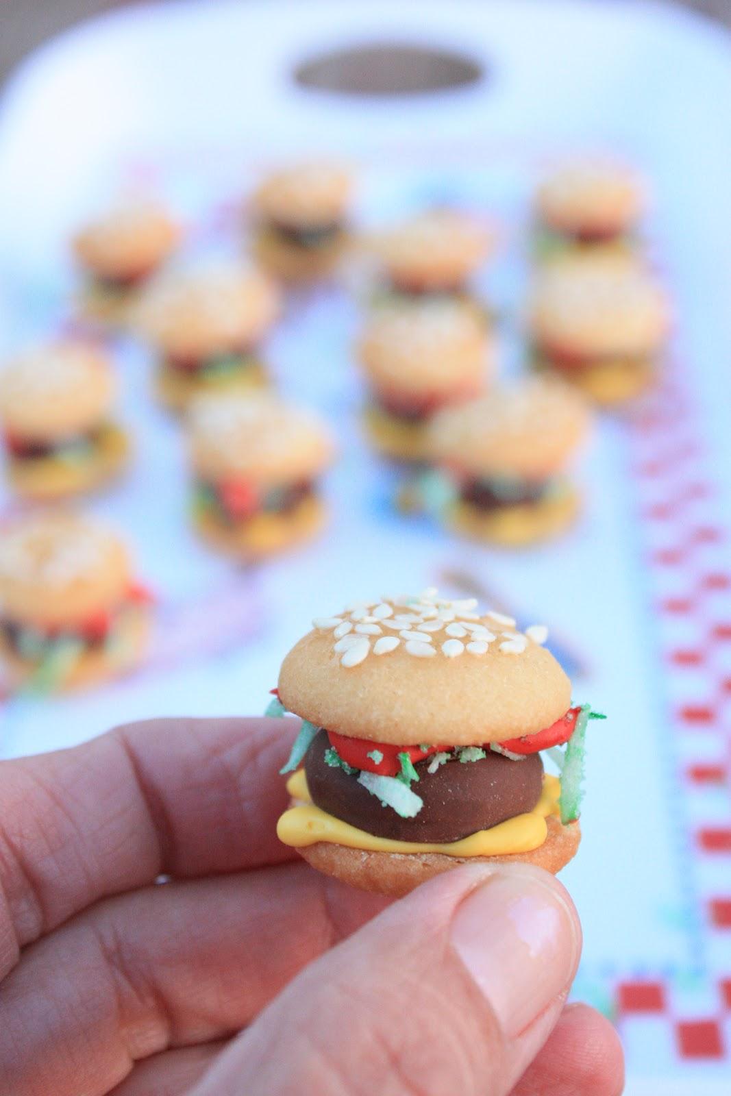 Munchkin Munchies: Burger Bites {Cookies}