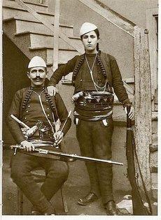 Azem Bejtë Galica, i lene ne harrese nga Tirana dhe Prishtina. 230px-AzemGalica