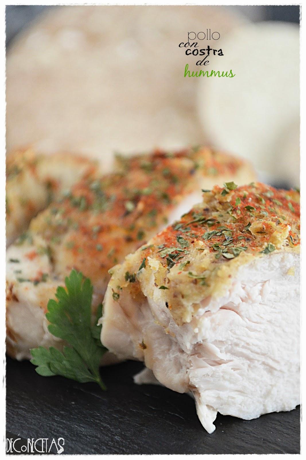 Pollo con costra de hummus