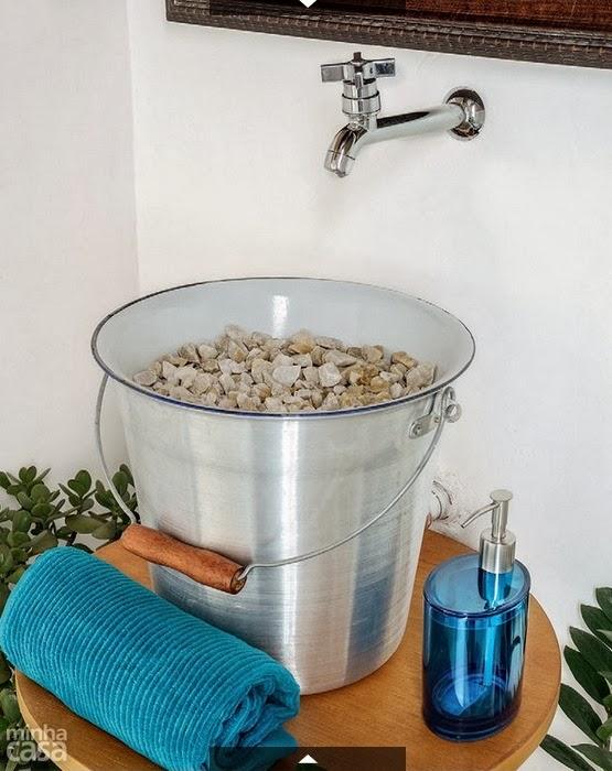 blog de decoração  Arquitrecos Pia de balde! -> Pia Para Banheiro Rustica