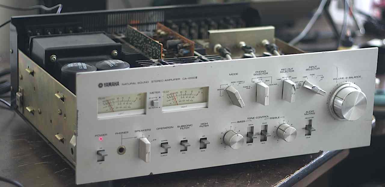 yamaha ca 1000 ii integrated amplifier audiobaza. Black Bedroom Furniture Sets. Home Design Ideas
