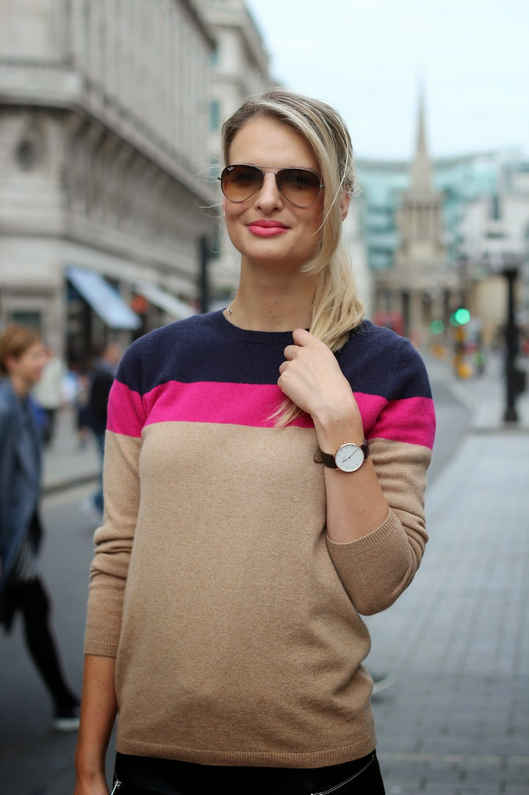 oxford circus, german blogger in london, boden cashmere jumper, block striped jumper, ray ban glasses, daniel wellington watches, daniel wellington discount code, street style, chrissabella