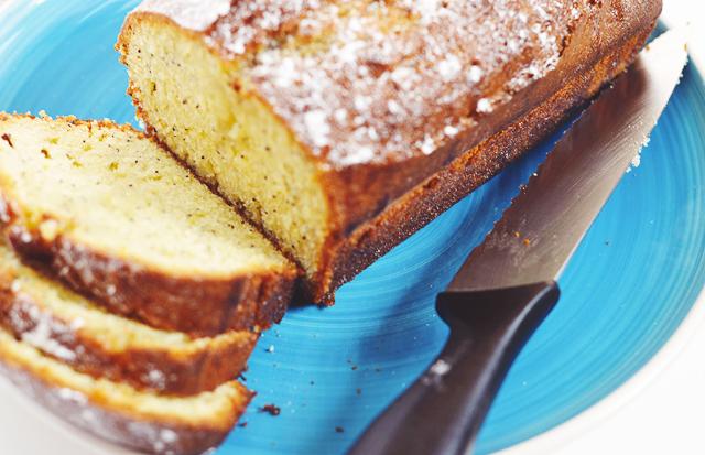 Recipe: Lemon & Poppyseed Loaf Cake.