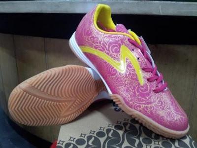 Priangan in 400238 299.800 Sepatu Futsal Specs Batik Accelerator Terbaru Tahun 2013