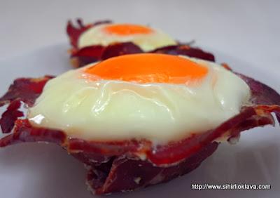 pastırma çanağında yumurta
