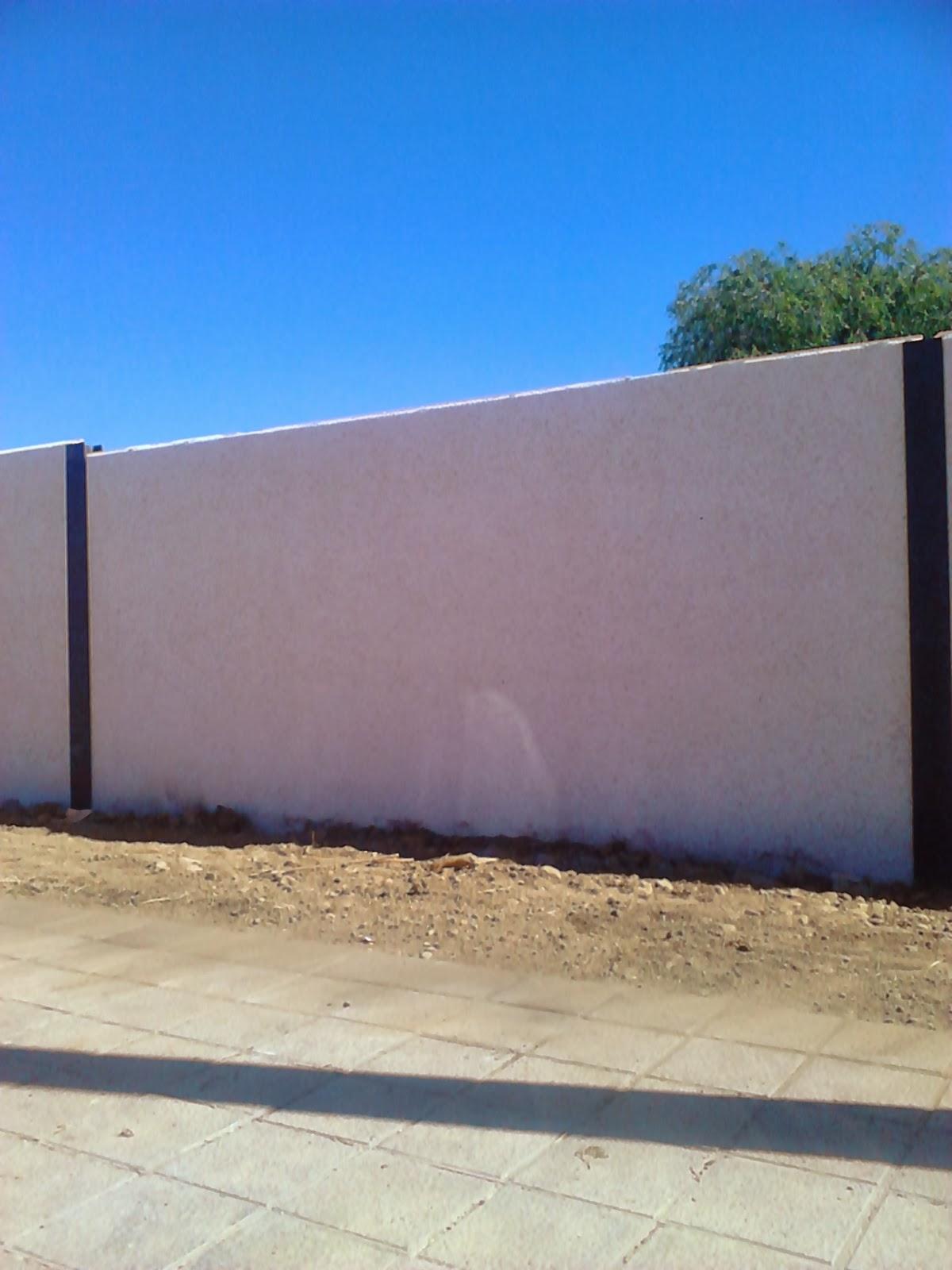 Cerramientos de fincas parcelas y fachadas con - Vallas para parcelas ...