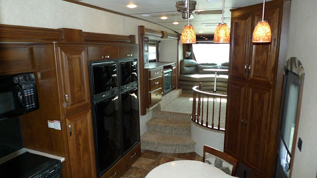 Rushmore 5th wheels lincoln - Front living room fifth wheel used ...
