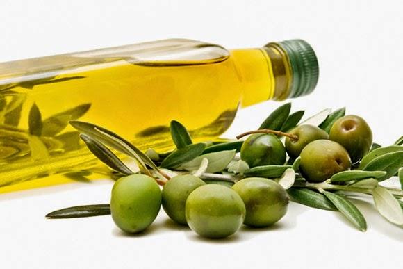 Dưỡng da bằng dầu oliu, tại sao không?