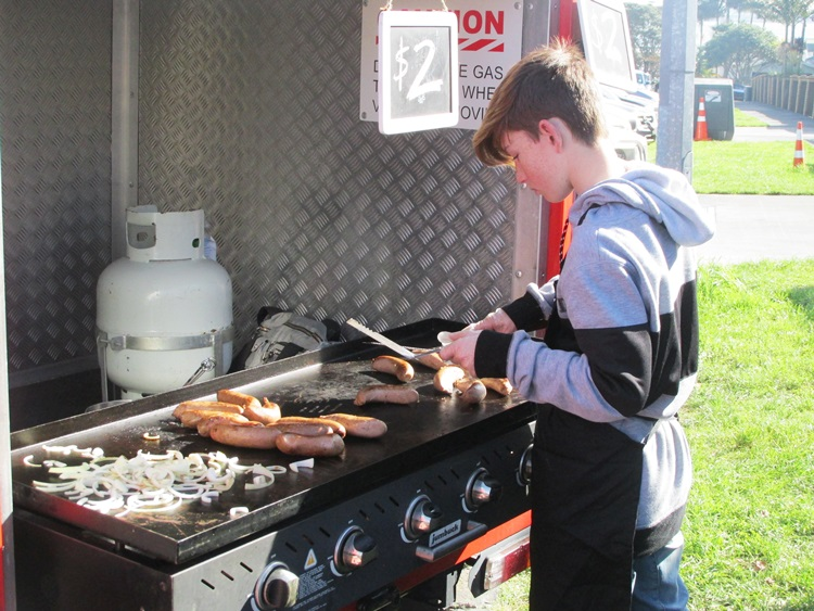 Sausage sizzle fundraiser