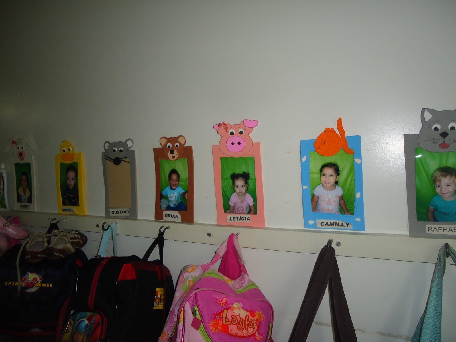 painel para as mochilas com foto para identificação