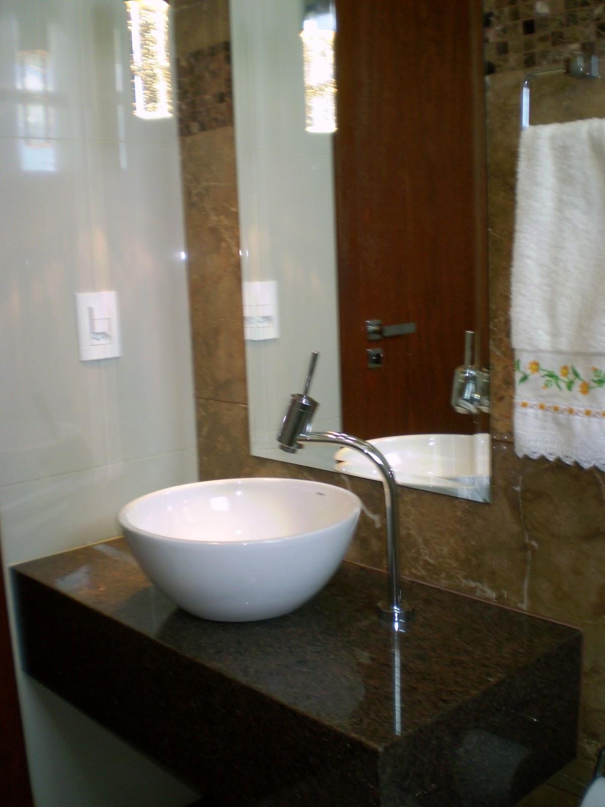Casa da Áurea: Banheiro Marrom Imperial #2C2010 1200x1600 Banheiro Com Banheira Bege
