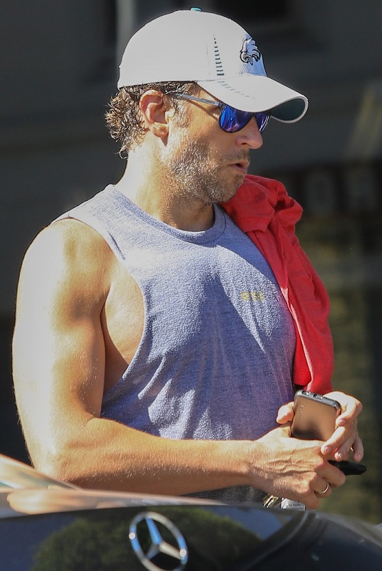 VJBrendan.com: Out & About: Liam Hemsworth Leaving the Gym
