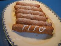 http://www.recetaspasoapaso.com/2011/07/canas-o-canutillos-rellenos-de-crema-de.html