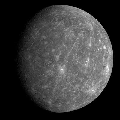 foto del planeta mercurio tomada por messenger el 2008