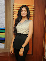 Simran Choudary Cute Looking Photo shoot Gallery-cover-photo