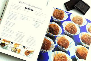 Wnętrze książki, przepis na włoskie trufle czekoladowe z okładki