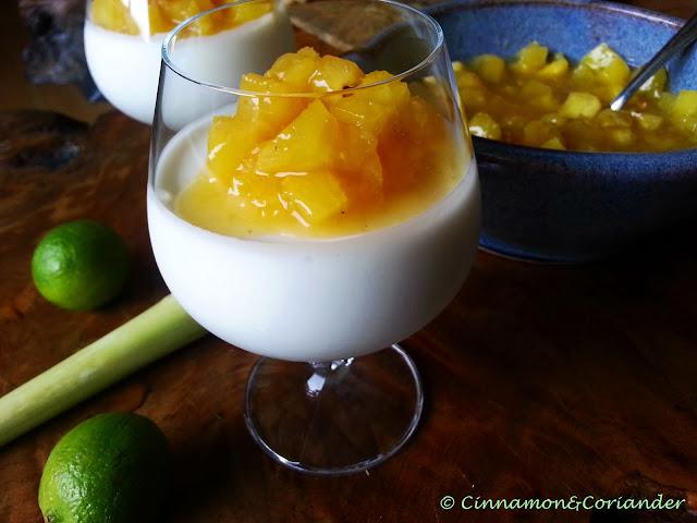 Kokos Limetten Mousse mit Ingwer Ananas Kompott
