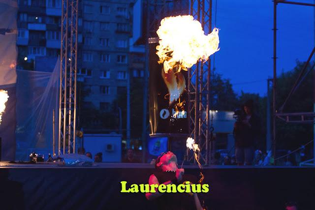Manusia-Api-Pria-di-Festival-Internasional-2012-Ukraina_1