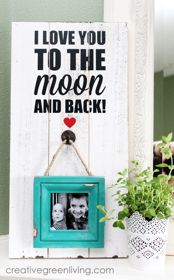 how to make a rustic farmhouse style distressed frame with a faux